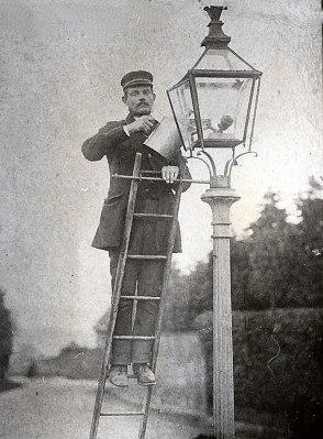 jobs-lamplighter