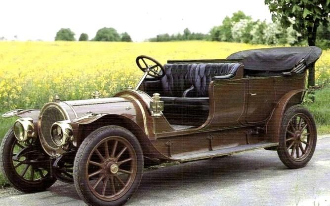 delaunay-belleville-tonneau-en-couleur-photo-ancienne-voiture-a-capote-de-1909