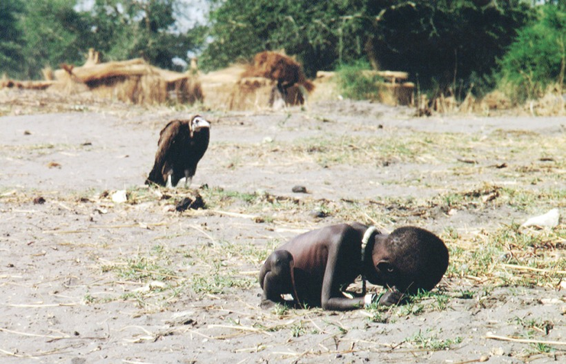 time-100-influential-photos-kevin-carter-starving-child-vulture-87(1)