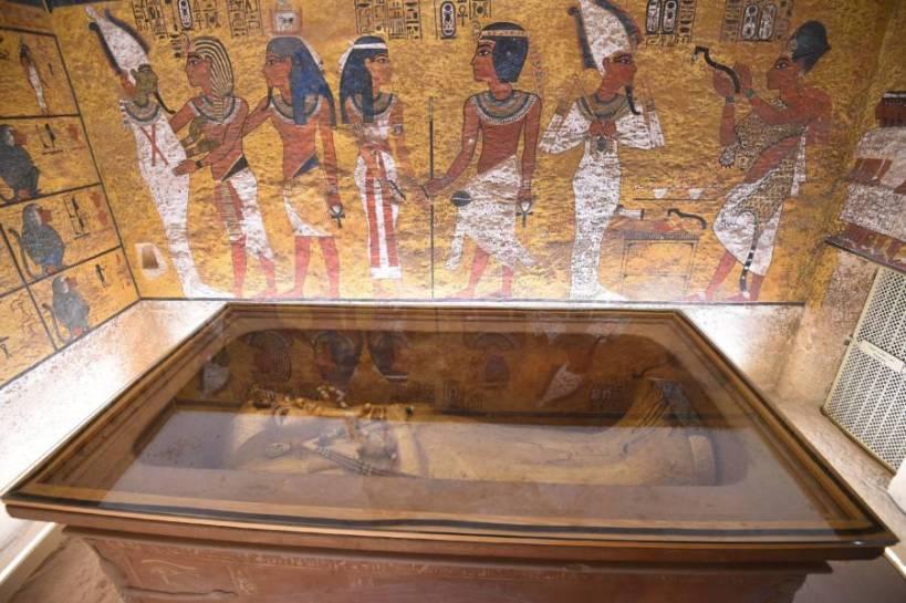 king-tut-tomb-underground-chamber