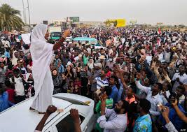 Sudanese Woman in Iconic Protest Images Reports Getting Death Threats |  Voice of America - English